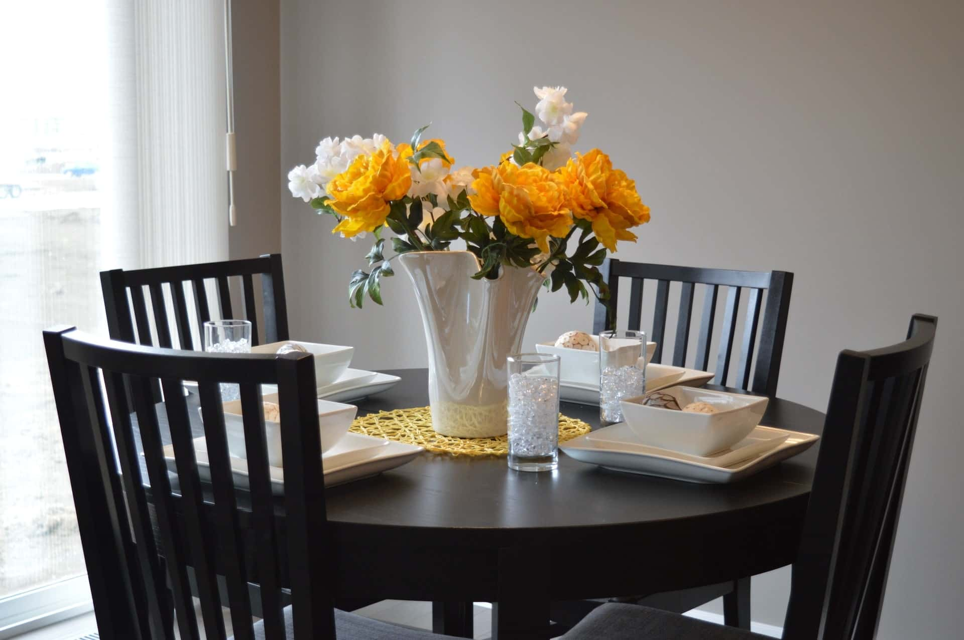 Libby Langdons Stylish Tips For Dining Room Decor Storage